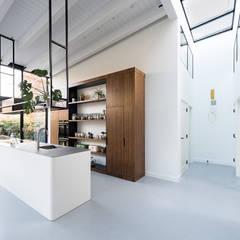 Nieuwendammerdijk Dijkhuis:  Keuken door Dineke Dijk Architecten