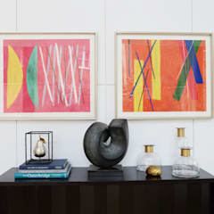 Marylebone:  Living room by Decoroom Ltd