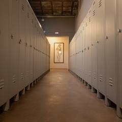 Lockers: Studio in stile  di studio1.architetti