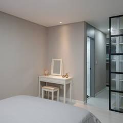 드레스룸 입구: 디자인 아버의  방