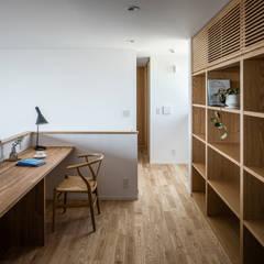 Oficinas de estilo  por 内田雄介設計室