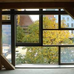 Hologrammfassade | Tageslicht Innen 1:  Fenster von Ruairí O'Brien. LICHTDESIGN.