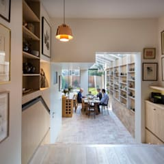 Gallery House:  Dining room by Neil Dusheiko Architects