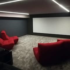 家庭劇院 by Projection Dreams / CUSTOM CINEMA 360 LDA