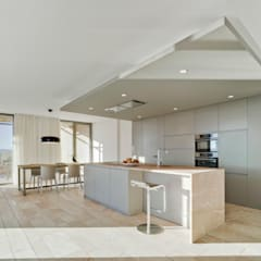 Built-in kitchens by Ponytec