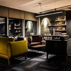 Hầm rượu by Loft House Tasarım Ofisi