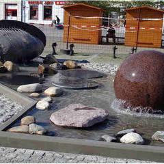 Kugelbrunnen Granit mit schwimmender Kugel, Schwebende Objekte:  Einkaufscenter von Manufaktur von Doberstein