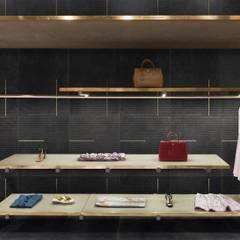 Lines Design by StorageMilano: Pareti in stile  di Ceramica Bardelli