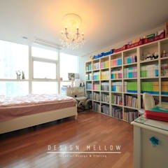 Nursery/kid's room by 스테이 모던 (Stay Modern)