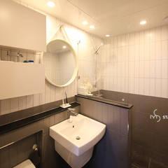 Bathroom by 스테이 모던 (Stay Modern)