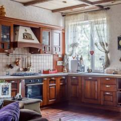 Семейные традиции: Кухни в . Автор – Студия дизайна Светланы Исаевой