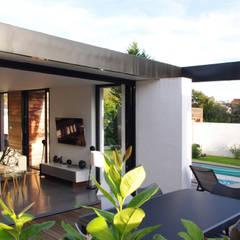 Terrasse / Patio: Terrasse de style  par Créateurs d'interieur