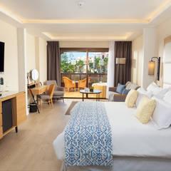 Suite Standard: Hoteles de estilo  de LB Diseño e Interiorismo
