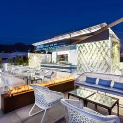 Sky Bar: Hoteles de estilo  de LB Diseño e Interiorismo
