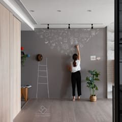 Corridor, hallway by 極簡室內設計 Simple Design Studio