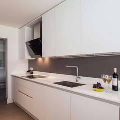 Pebbledesign / Çakıltașları Mimarlık Tasarım – Şekeroğlu Residential:  tarz Ankastre mutfaklar