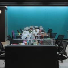 Oficinas y Comercios de estilo  por emARTquitectura