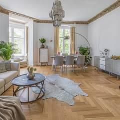 Berliner Altbauwohnung stilvoll eingerichtet:  Esszimmer von Stilschmiede - Berlin