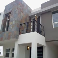PROYECTO Y CONSTRUCCION DE CASA HABITACION: Casas unifamiliares de estilo  por ARC ARQUITECTURA