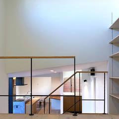 غرفة نوم مراهقين  تنفيذ 大畠稜司建築設計事務所