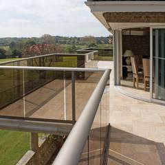 Roof terrace by Балконэт - Стеклянные Балюстрады