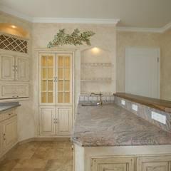 Cozinhas embutidas  por Villa Medici