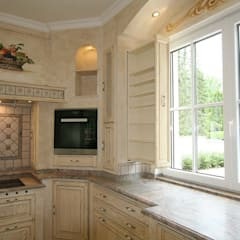 Built-in kitchens by Villa Medici - Landhauskuechen aus Aschheim
