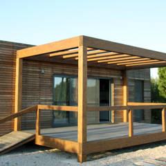 Bungalow Wood Algarve - Exterior: Bungalows  por goodmood - Soluções de Habitação