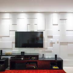 Projeto de apartamento em SP: Salas de estar  por C2HA Arquitetos