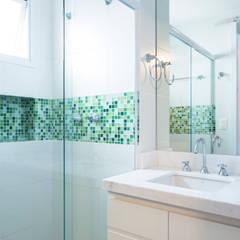 Bathroom by C2HA Arquitetos