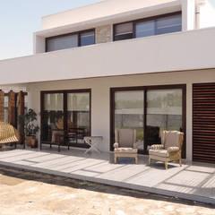 Telhados planos  por m2 estudio arquitectos - Santiago