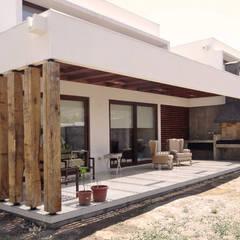Mái bằng by m2 estudio arquitectos