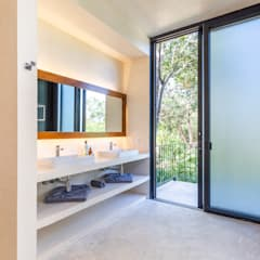 Bathroom by Obed Clemente Arquitectos