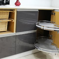Kitchen units by Easyhomz Interiors Pvt Ltd