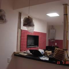 Reforma de apartamento - Copacabana: Cozinhas  por MSR Arquitetura