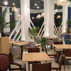 Proyecto hotel Tryp Atocha: Hoteles de estilo  de GrupoSpacio constructores en Madrid, Moderno