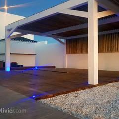 Terraza para vivienda unifamiliar: Terrazas de estilo  de NavarrOlivier
