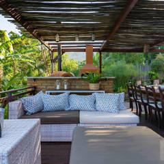 Terrace by Patrícia Nobre - Arquitetura de Interiores, Rustic