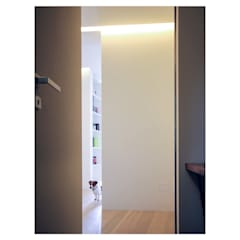 casa M - 2015, ingresso: Ingresso & Corridoio in stile  di Erica Fant Interiors