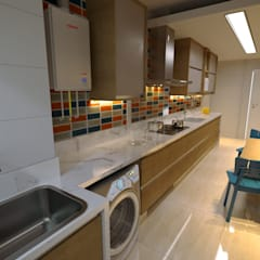 Muebles de cocinas de estilo  por Gelker Ribeiro Arquitetura   Arquiteto Rio de Janeiro, Moderno Derivados de madera Transparente