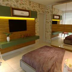 Small bedroom by Gelker Ribeiro Arquitetura | Arquiteto Rio de Janeiro