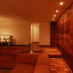 Residência Grimblat - Atibaia: Salas de estar  por palatnic arquitetura