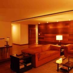 Residência Grimblat - Atibaia: Salas de jantar  por palatnic arquitetura