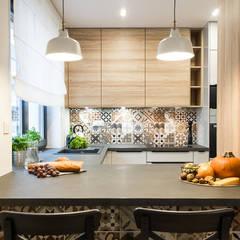 Cocinas pequeñas de estilo  por KODO projekty i realizacje wnętrz