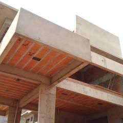 Acompanhamento de Obra: Condomínios  por Eric Harada Arquitetura - Projetos e Construções