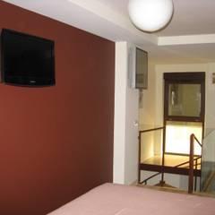 Dormitorio: Dormitorios de estilo  de Almudena Madrid Interiorismo