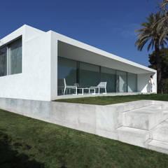 Casa de la brisa: Casas de estilo  de FRAN SILVESTRE ARQUITECTOS