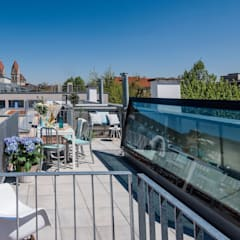 Roof terrace in Munich - Glazed roof access hatch de Staka Premium Minimalista