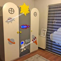 MOBİLYADA MODA  – Uzay Konseptli Montessori Bebek&Çocuk Odası:  tarz Erkek çocuk yatak odası