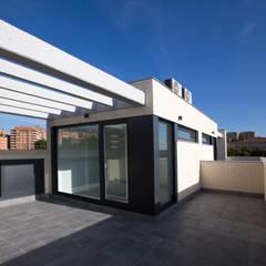 RESIDENCIAL MAESTRE RACIONAL: Terrazas de estilo  de Bosch Arquitectos Arquitectura y Urbanismo S.L.P.